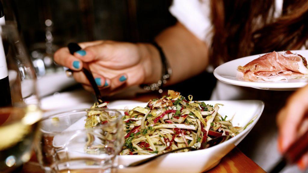 salad 569156 1920 1024x576 - Receitas da tia Livro